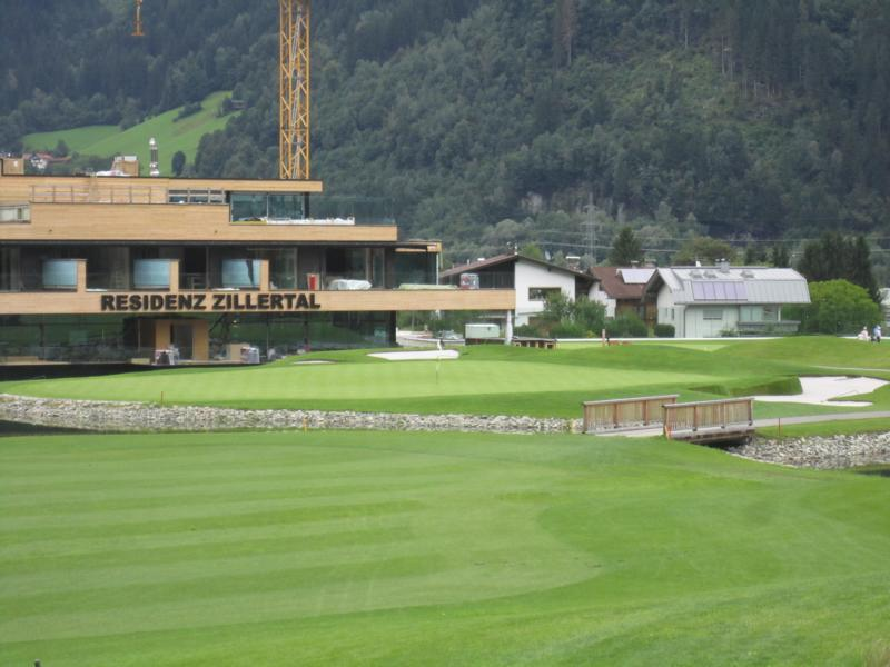 Golfclub zillertal uderns golf for Design hotel zillertal